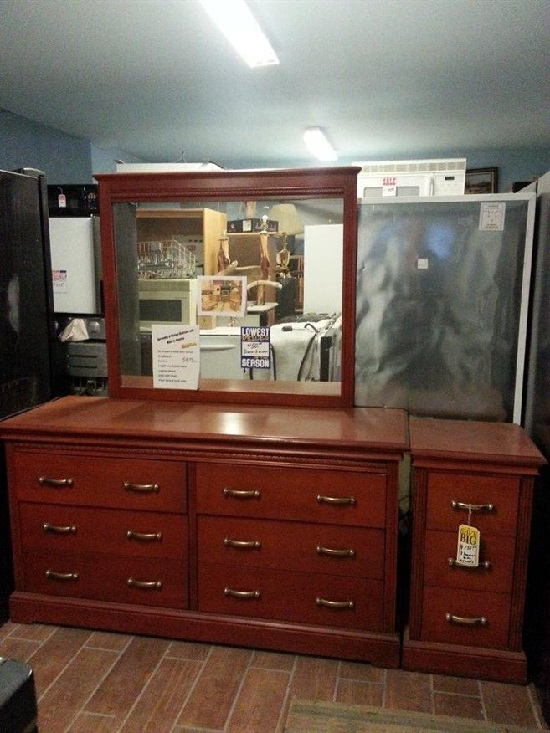Pristine bedroom set appliances autos trucks rvs for Affordable furniture and appliances